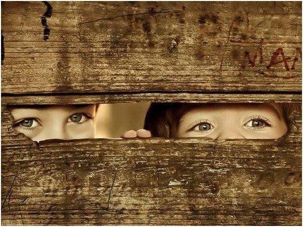 64348-Kids-Peeking-Through-Fence