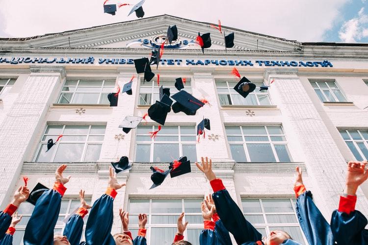 Совети како да станете успешно училиште во кое ќе сака да се запише секојученик