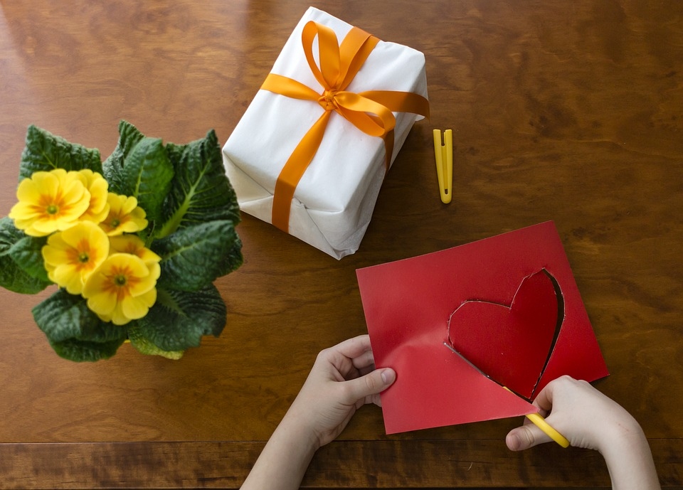 Is Valentine's Day at an elementary school a goodidea?