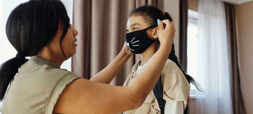 For and against about wearing face masks in the classroom